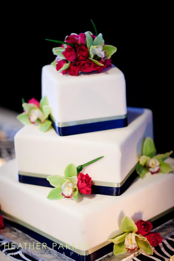 W Lakeshore Hotel chicago wedding reception cake
