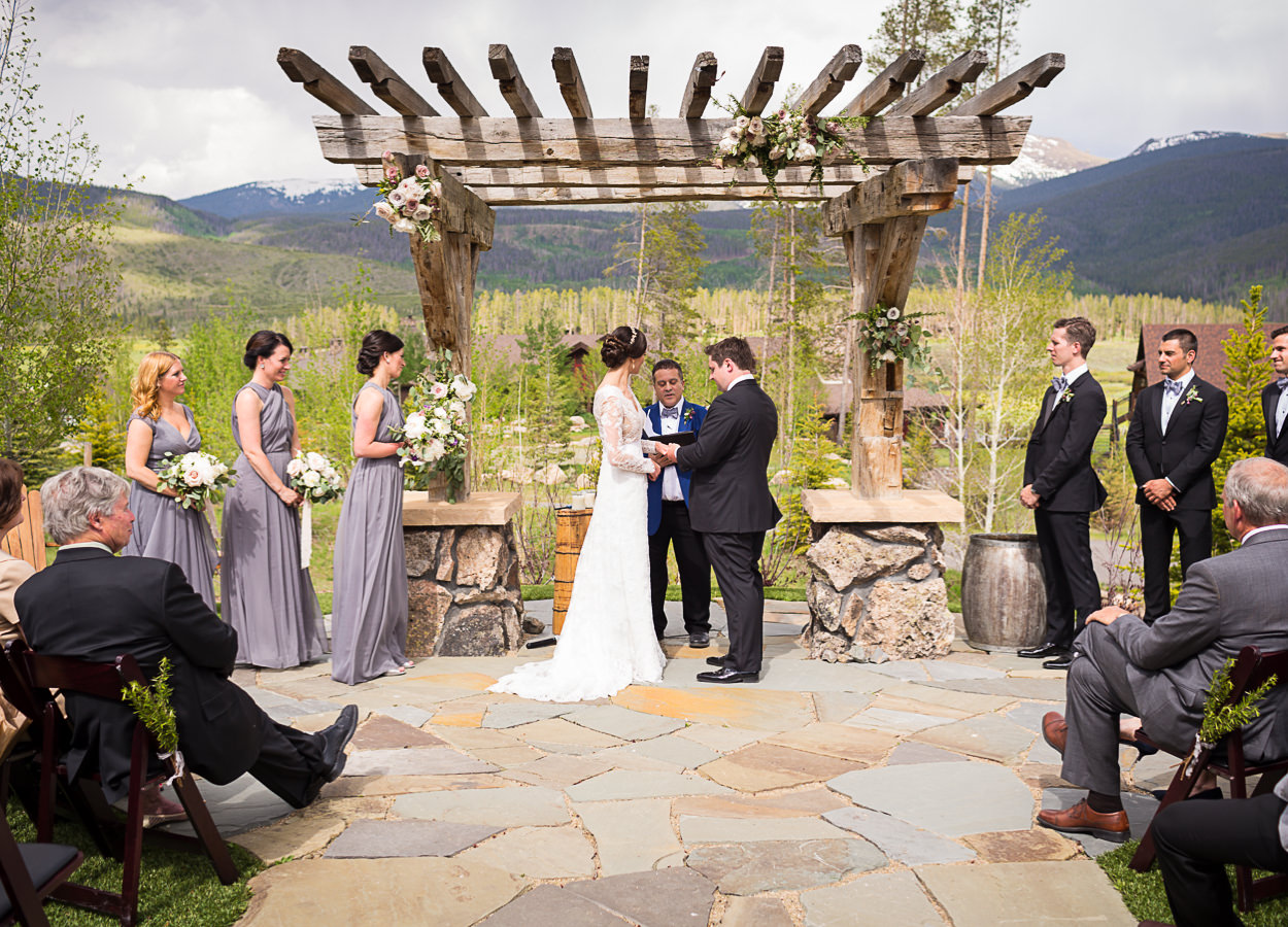 outdoor ceremonies wedding tips